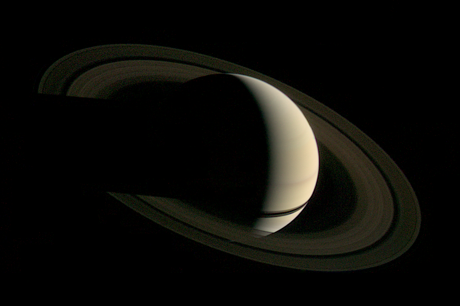 Saturn as seen by Voyager 1