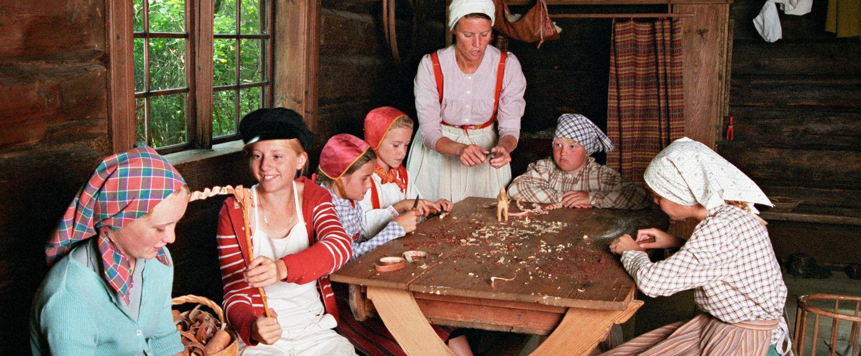 Barnaktiviteter i Back Mats stuga, Skansen