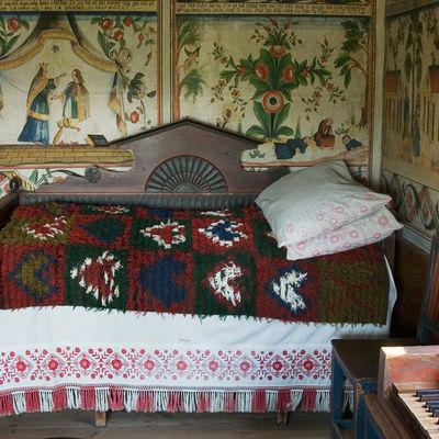 Säng och väggmålningar i Delsbogården, Skansen