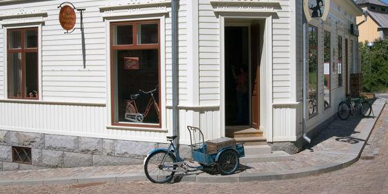 Järnhandeln exteriör. Järnhandlarens hus är byggt på Skansen efter en förlaga från 1880 som idag finns i Hudiksvall.