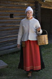 Kvinnodräkt från Mora