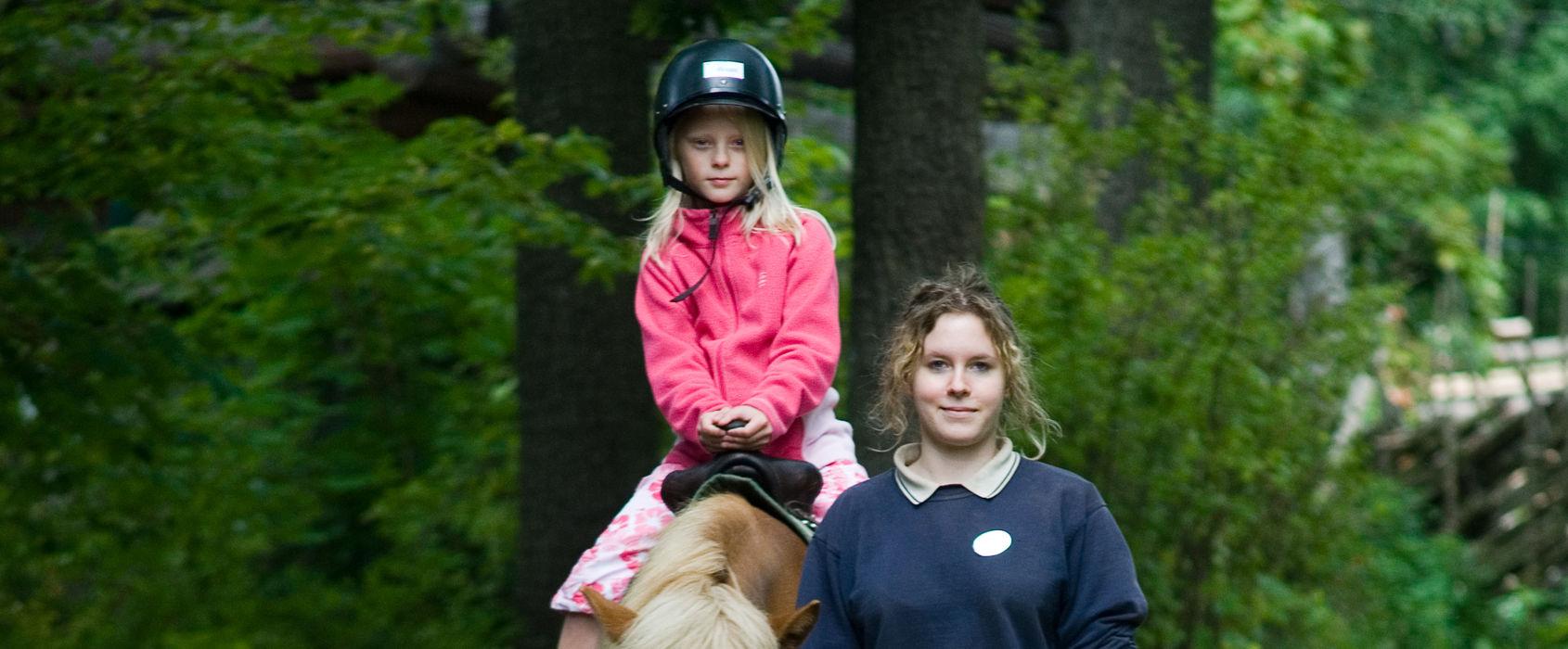 Ponnyridning på Skansen