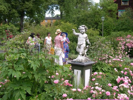 Staty i Rosengården på Skansen