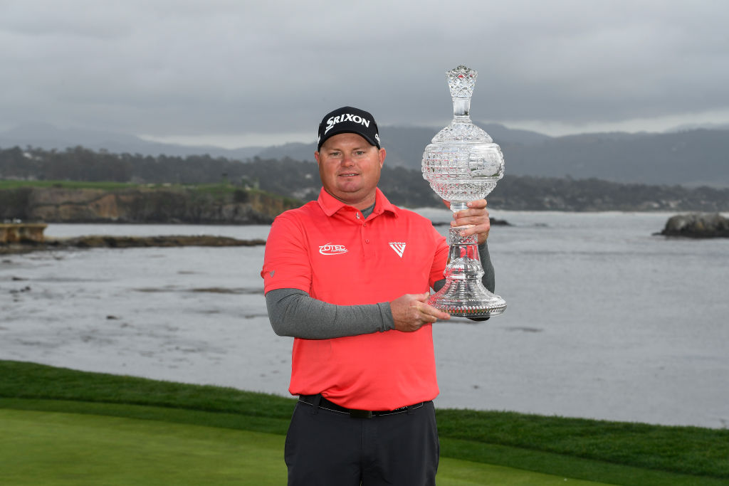 Johnson shares the lead at Pebble Beach