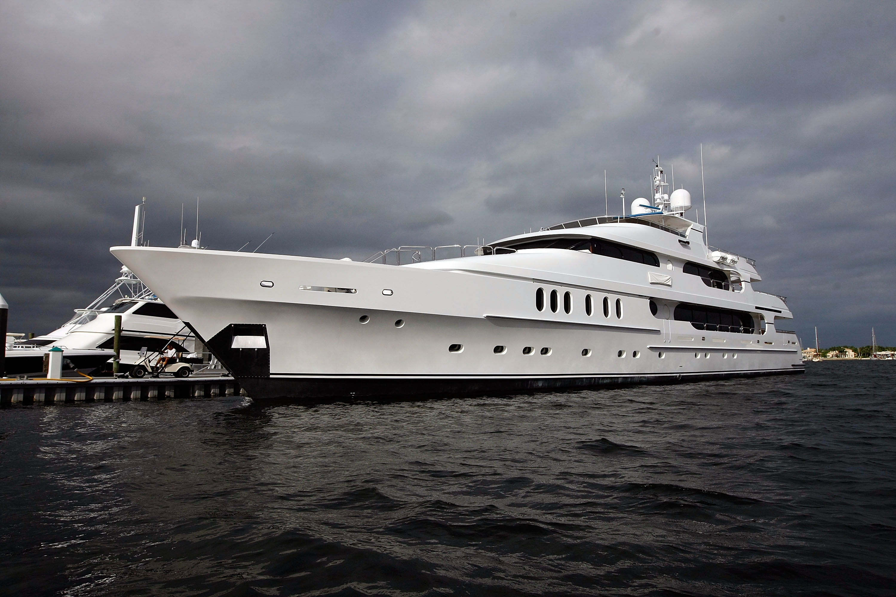 Tiger Woods yacht spotted in the Hamptons prior to US Open