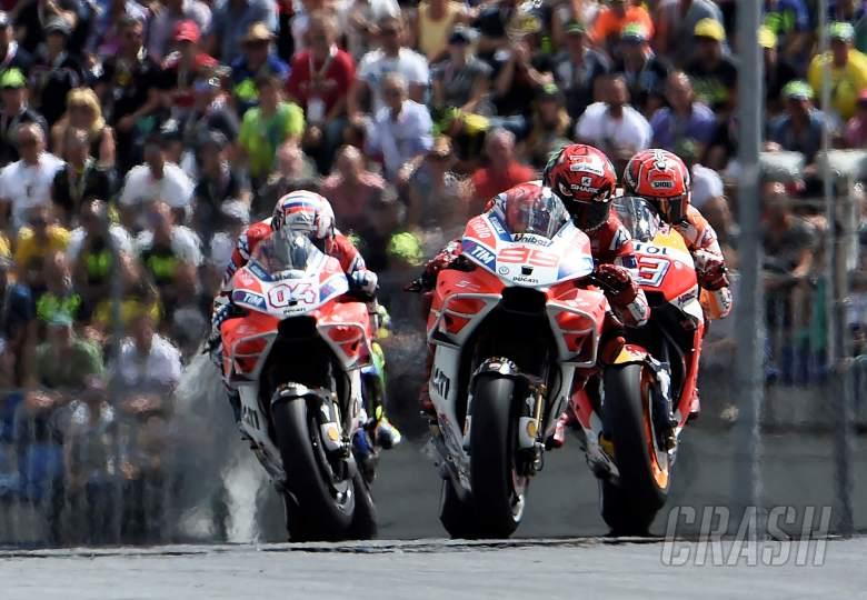 MotoGP: MotoGP: Oil burn, flexible aerodynamics, fuel tanks