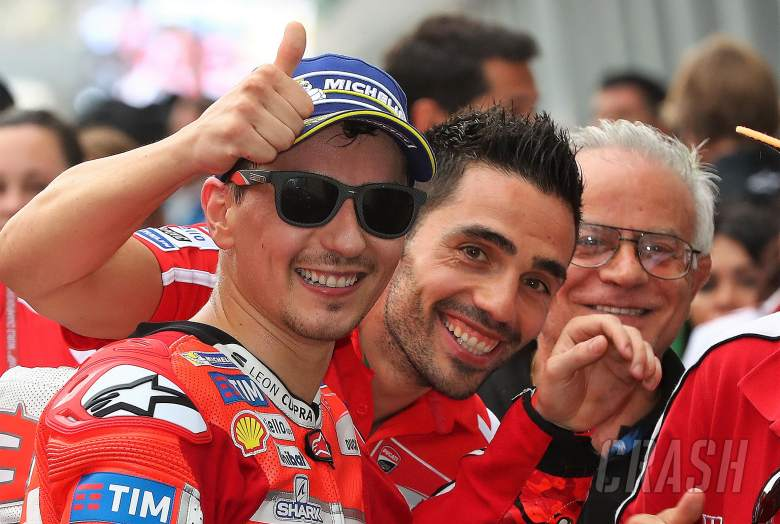 MotoGP: Lorenzo: Four eyes are better than two…