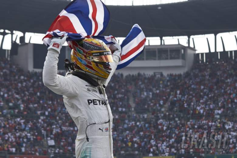 F1: Hamilton: Mercedes cannot afford to stand still ahead of tougher F1 title fight