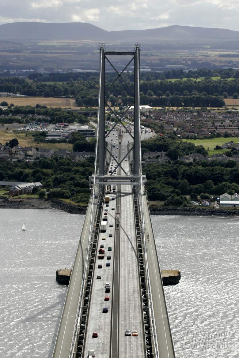 Dan Eaves and Tom Chilton tackle the Forth Road Bridge