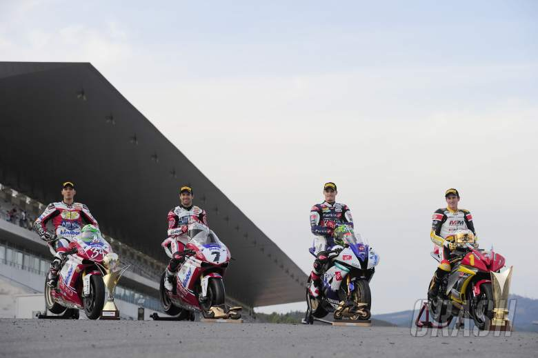 ,  - Giugliano, Checa, Davies, Mecher, Portuguese SBK World Champions 2011