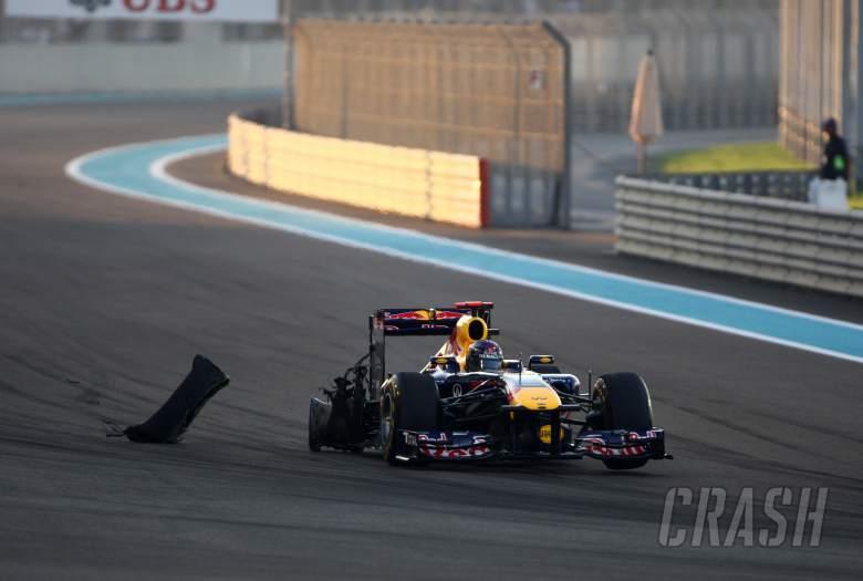 13.11.2011- Race, Sebastian Vettel (GER), Red Bull Racing, RB7 crashed