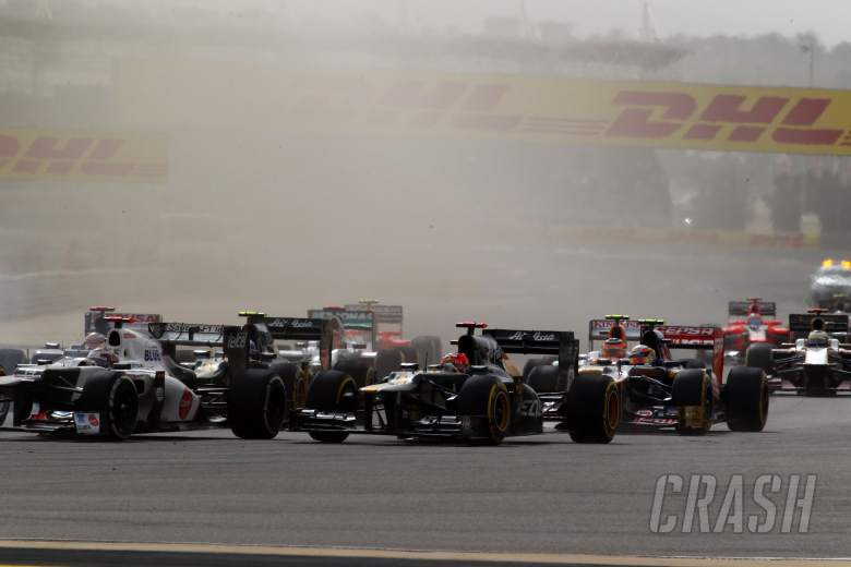 22.04.2012- Race, Start of the race, Heikki Kovalainen (FIN) Caterham F1 Team CT01