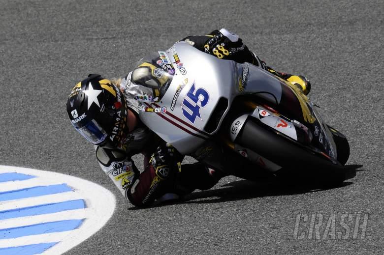 Redding with his elbow down, Spanish Moto2 2012