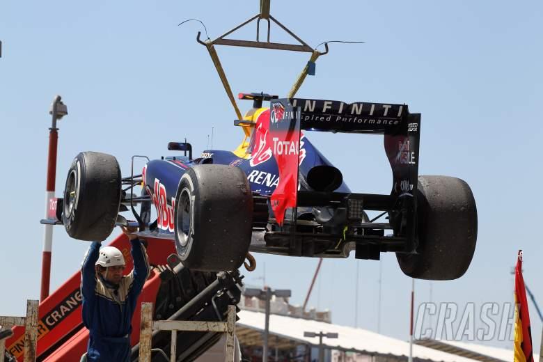 24.06.2012- Race, Sebastian Vettel (GER) Red Bull Racing RB8 retires from the race