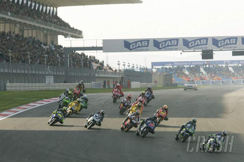 , , Melandri, Gibernau lead, Start, Turkish MotoGP, 2005