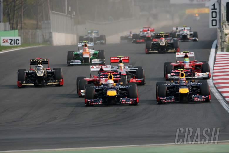 14.10.2012- Race, Start of the race, Sebastian Vettel (GER) Red Bull Racing RB8 and Mark Webber (AUS