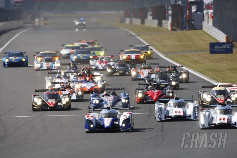 Start, Alexander Wurz/Nicolas Lapierre/Kazuki Nakajima Toyota Racing Toyota TS 030 Hybrid and Andre
