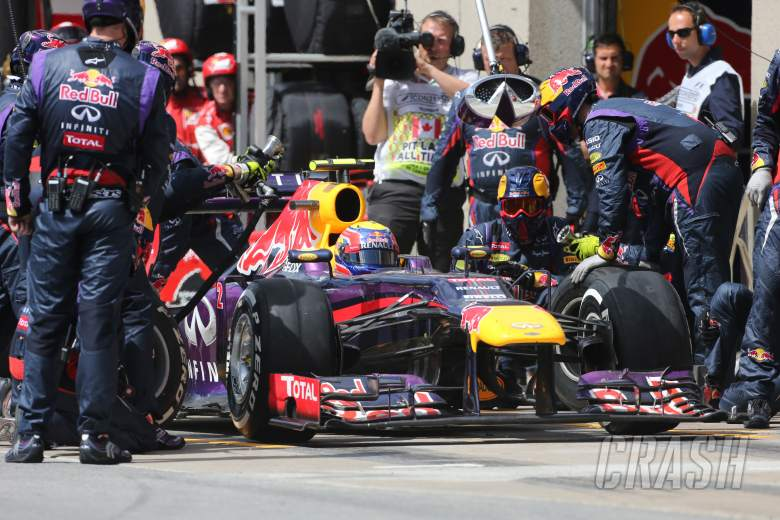 ,  - 09.06.2013- Race, Mark Webber (AUS) Red Bull Racing RB9 pit stop