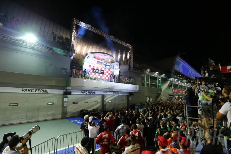 ,  - 22.09.2013- Podium, winner Sebastian Vettel (GER) Red Bull Racing RB9, 2nd Fernando Alonso (ESP) Scu