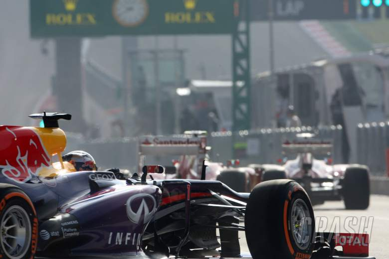 15.11.2013- Free Practice 1, Sebastian Vettel (GER) Red Bull Racing RB9