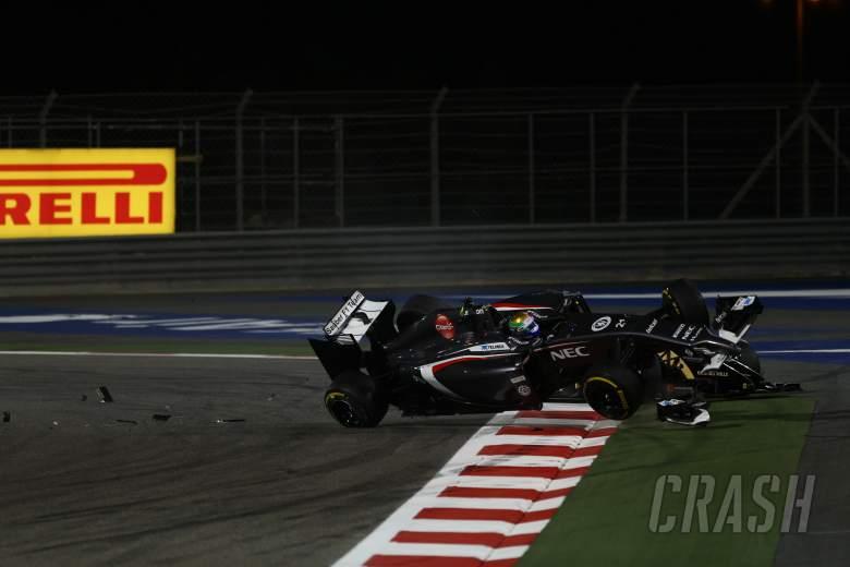 06.04.2014- Race, 21 crash, Esteban Gutierrez (MEX), Sauber F1 Team C33