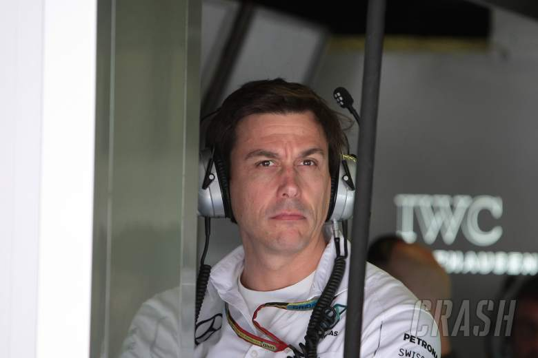 Wolff sorry to let Hamilton down