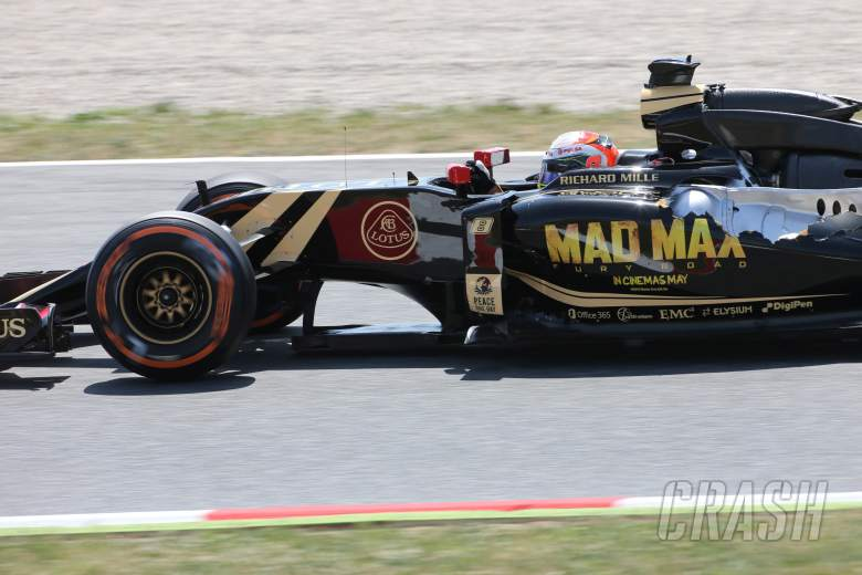 Grosjean starts weekend with an 'explosion'