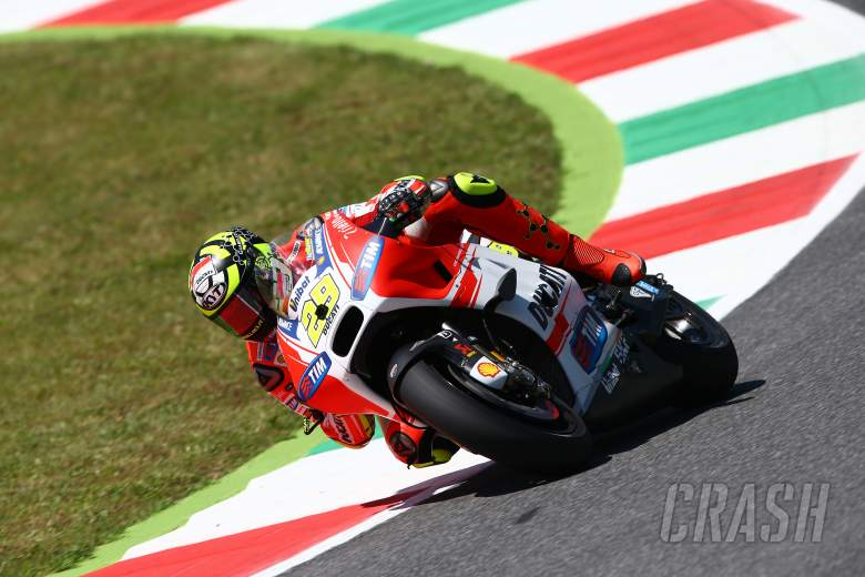 Iannone on pole, Marquez dumped out of Q1