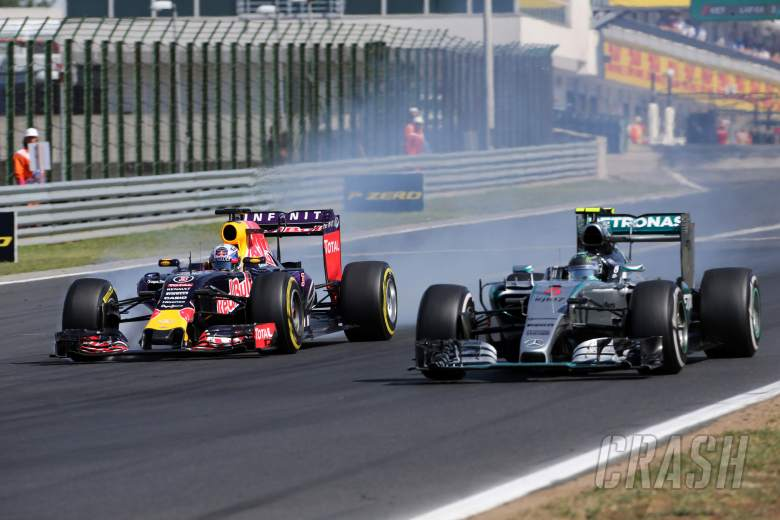 Mercedes waiting as Red Bull-Renault row intensifies