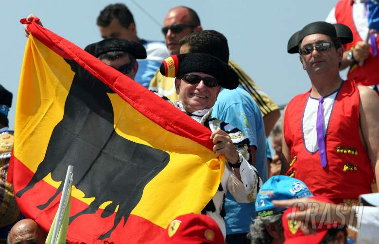 15.07.2006 Magny Cours, France,  Spanish Fans at the circuit - Formula 1 World Championship, Rd 11,