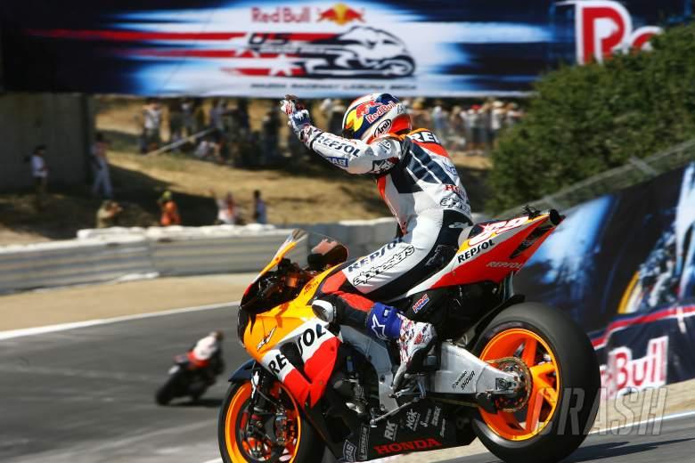Hayden waves, U.S. MotoGP, 2006