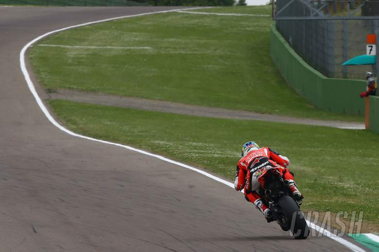 Davies destroys lap record for Imola pole