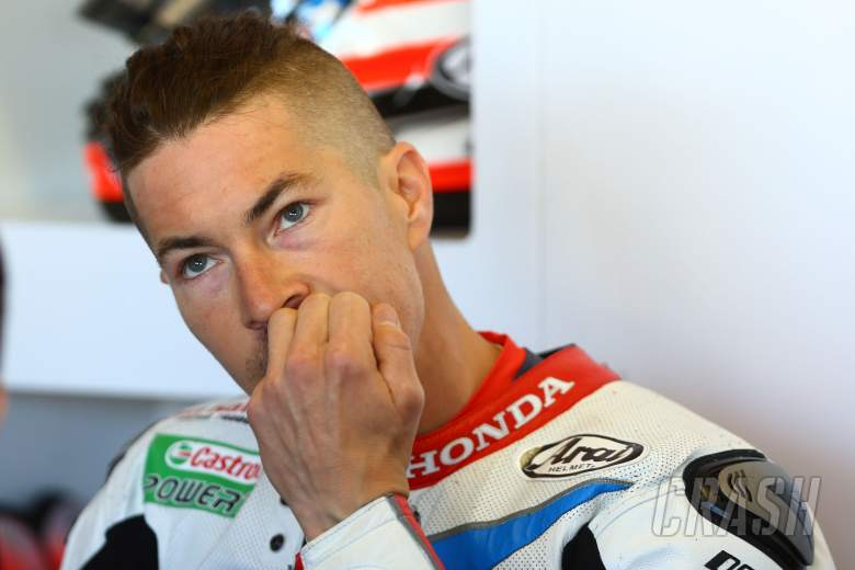 Hayden underwhelmed by lap times after hitting walls