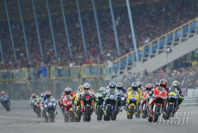 , Checa leads at start, Dutch MotoGP race, 2004