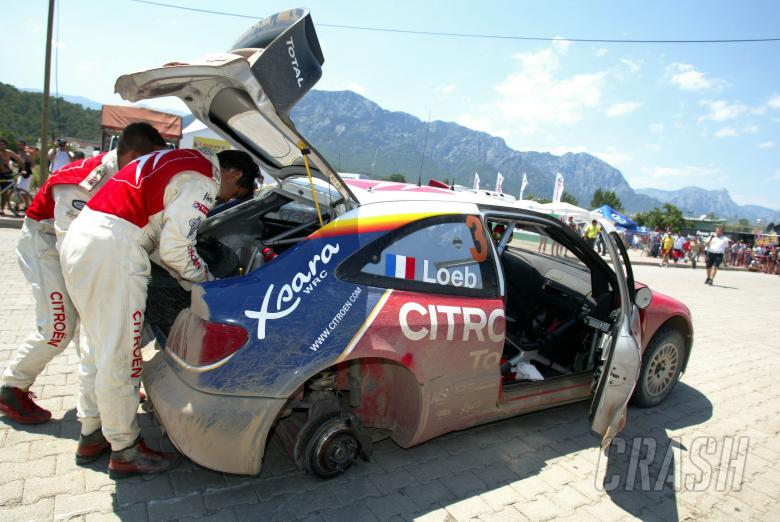 Sebastien Loeb / Daniel Elena - Citroen Xsara WRC, missing rear right wheel