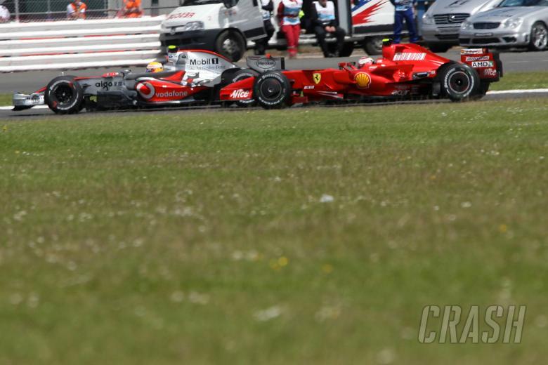 Lewis Hamilton (GBR), McLaren Mercedes and Felipe Massa (BRA), Scuderia Ferrari