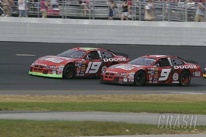 Jeremy Mayfield and Kasey Kahne run side by side in New Hampshire