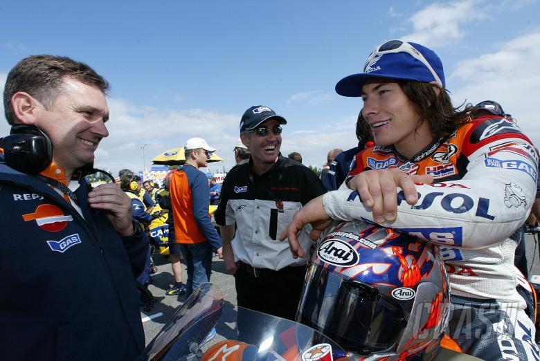 Trevor Morris, Doohan, Hayden, Czech MotoGP, 2004