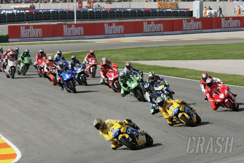 , Tamada leads Valencia MotoGP Race, 2004