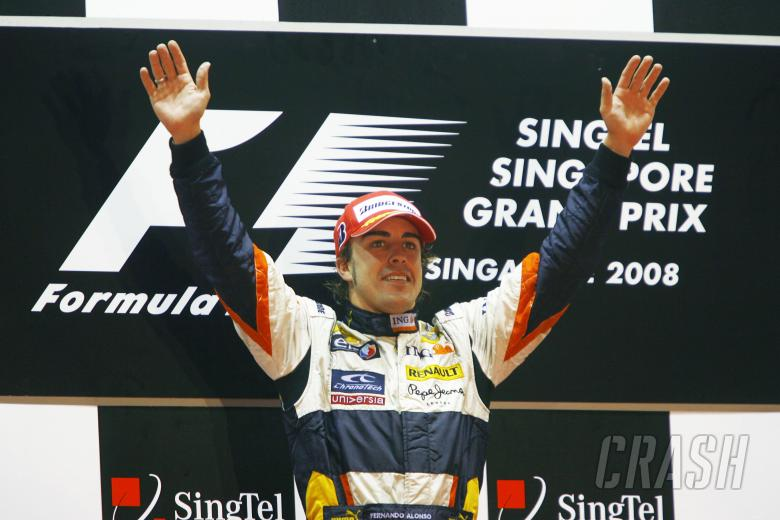 Fernando Alonso (ESP) Renault R28, Singapore F1 Grand Prix, 26th-28th, September 2008