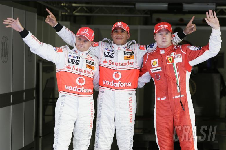 Heikki Kovalainen (FIN) McLaren MP4-23, Lewis Hamilton (GBR) McLaren MP4-23, Kimi Raikkonen (FIN) Fe