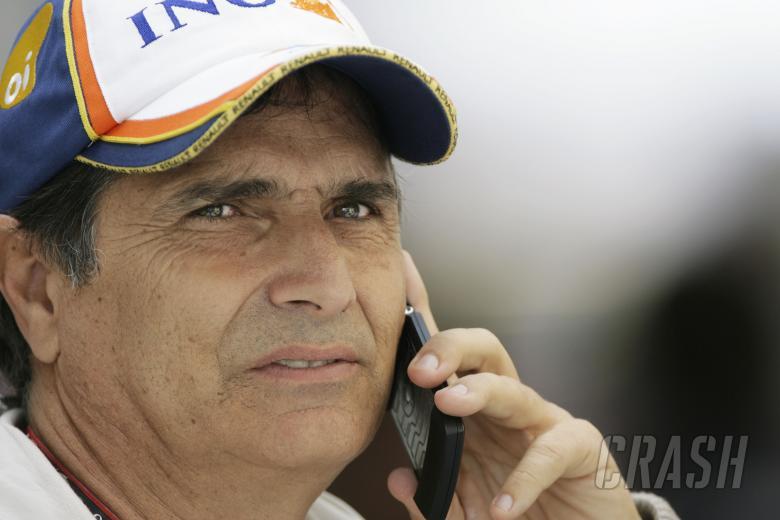 Nelson Piquet (BRA) Renault R28, Brazilian F1 Grand Prix, Interlagos, 30th October 2008-2nd, Novembe