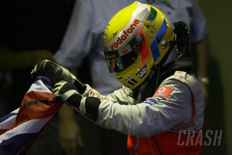 , , Lewis Hamilton (GBR) McLaren MP4-23 Is Champion, Brazilian F1 Grand Prix, Interlagos, 30th October 2