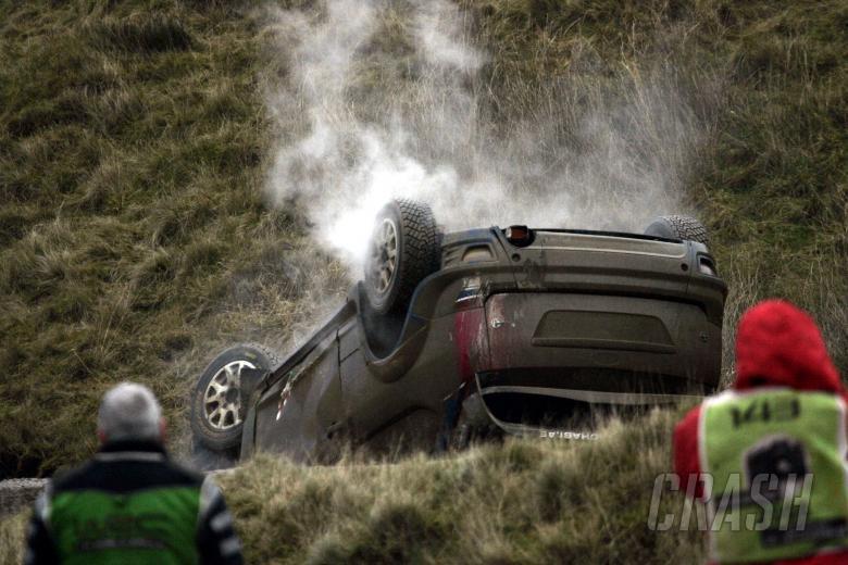 Mikko Hirvonen (FIN) Jarmo Lehtinen (FIN) Ford Focus RS WRC07, BP Ford Abu Dhabi WRT, crash