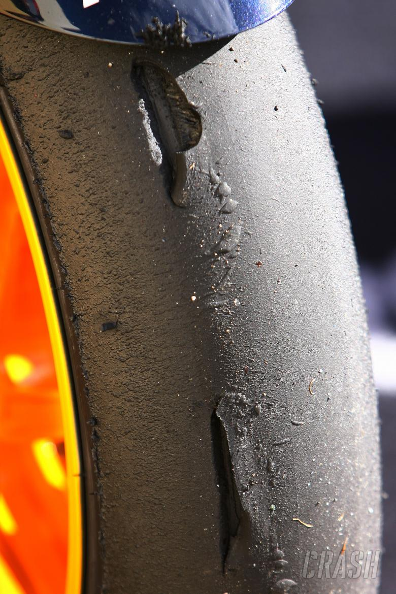 Pedrosa shredded tyre, Japanese MotoGP Race 2009