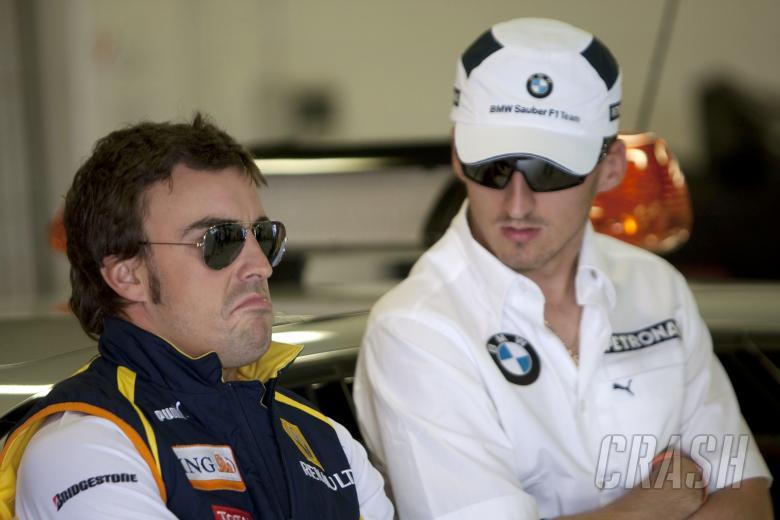 ,  - Fernando Alonso (ESP) Renault R29, Robert Kubica (POL) BMW Sauber F1.09, Spanish F1 Grand Prix, Cata