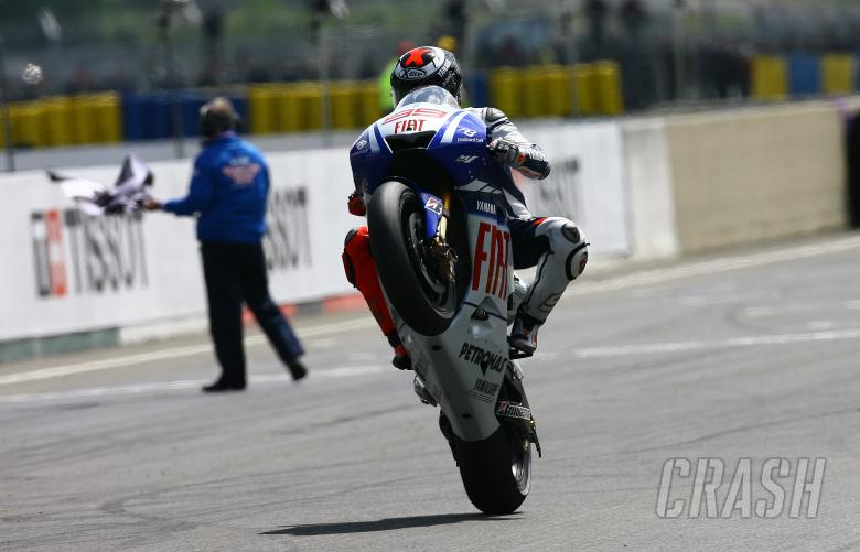 Lorenzo takes chequered flag, French MotoGP 2009