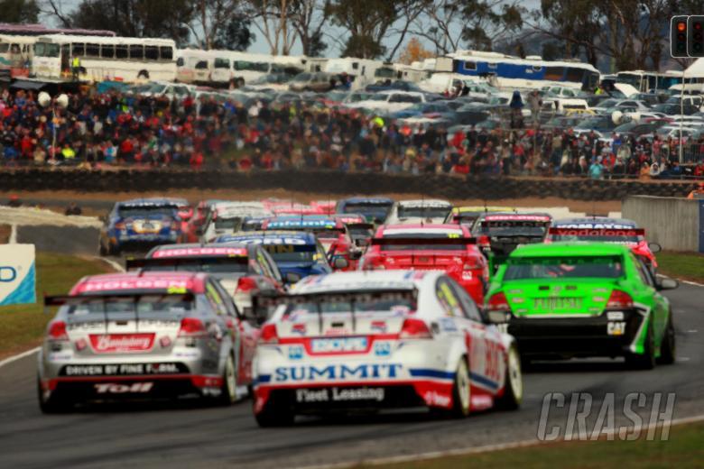 Pre grid and race start for race 8  Races 7 & 8 V8 Supercars Falken Tasmanian challenge Symmons