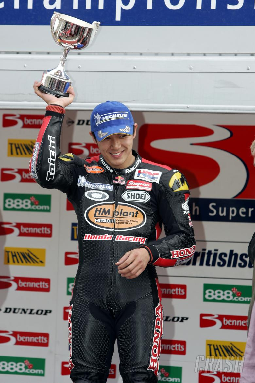 Pic: Tim Keeton/Raymonds Press Agency. 28.3.05 British Superbike Championship. Brands Hatch, Kent.