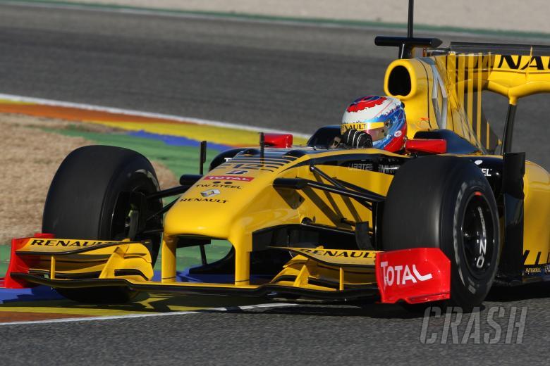 03.02.2010 Valencia, Spain, Vitaly Petrov (RUS), Renault F1 Team, R30 - Formula 1 Testing, Valencia